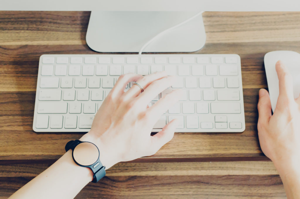 How to find a job that fits in with school hours - Project Me for Busy Mothers